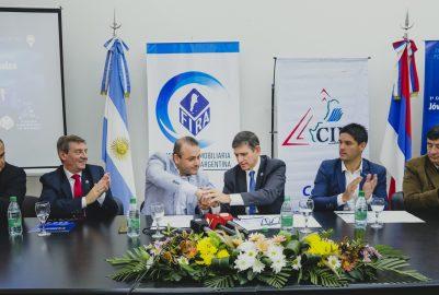 EL VICEGOBERNADOR HERRERA AHUAD VALORÓ   LA CONVOCATORIA AL CONGRESO INMOBILIARIO