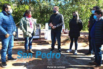 HERRERA AHUAD ENTREGÓ TÍTULOS DE PROPIEDAD Y HERRAMIENTAS EN IRIGOYEN Y SAN PEDRO